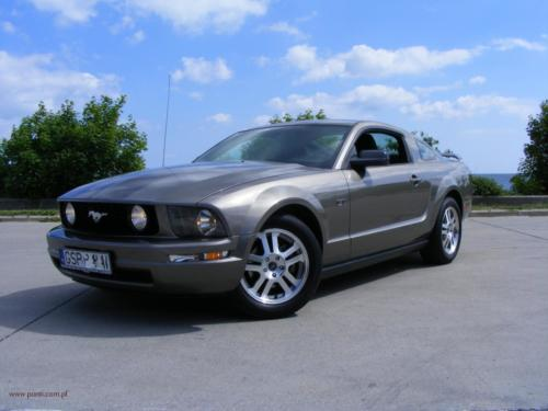 ford-mustang-2005[1]